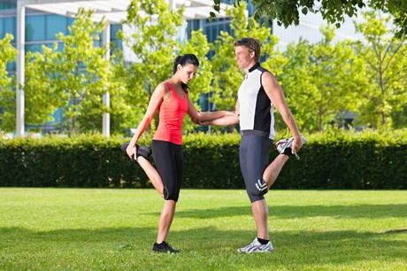 Uanset om du er til løb eller styrketræning, viser forskningen, at udstrækning efter træning ikke hjælper på, om du får ømme muskler dagen derpå.