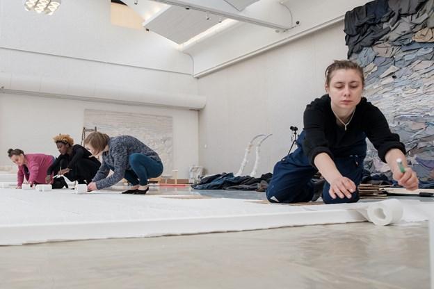 Udstillingen omfatter også en indedørs del. Foto: Lasse Sand