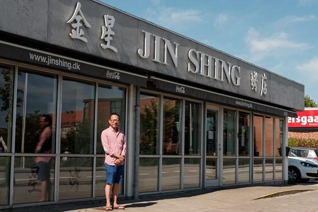 Hung Han Tang har været ejer i 20 år. Han overtog efter sine forældre. Foto: Lasse Sand