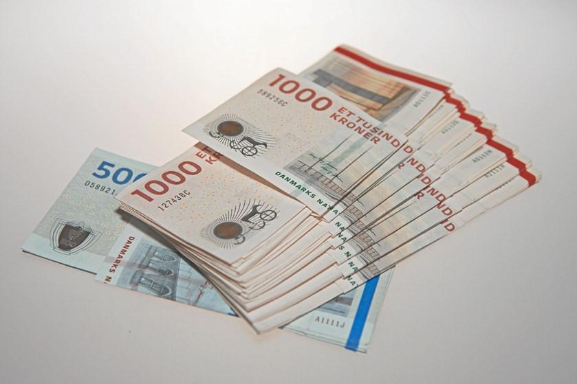 Penge under bordet er ulovligt, skævvridende og undergraver hele idéen med andelsboligmodellen. - Hold dig fra det, advarer boligadvokat og seniorøkonom.