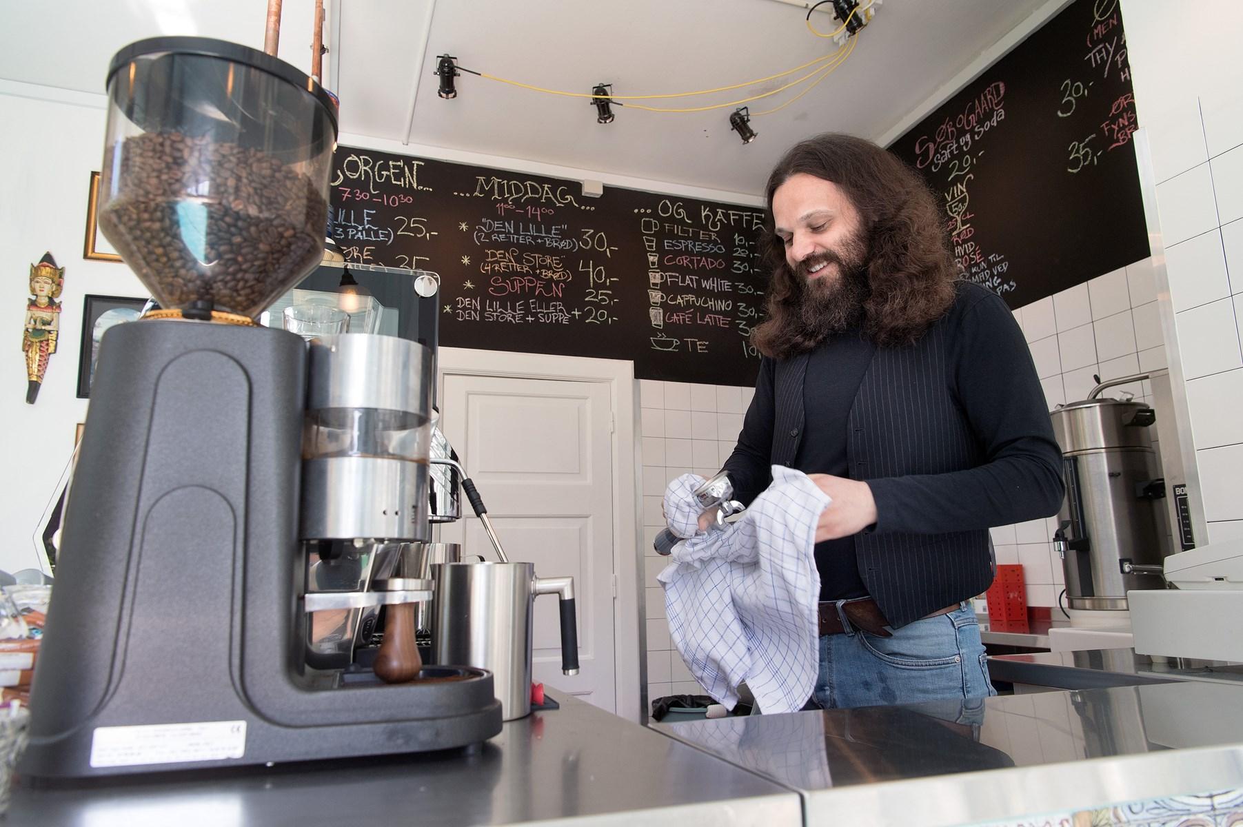 Morgen, Middag & Kaffe har været længe undervejs, men mandag kan Michael Marino og hans kolleger på Huset endelig slå dørene op.
