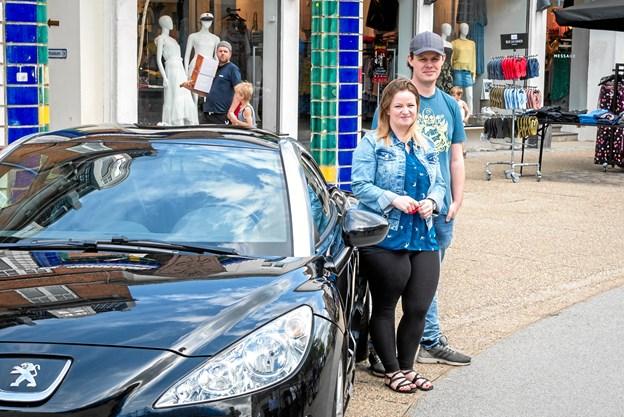Kenny havde indstillet sin søns mor Louise til prisen som Hjørringsdejligste kvinde. Foto: Aage Møller-Pedersen