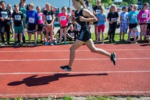 Se billederne: 900 elever samlet til Skole OL i Hobro