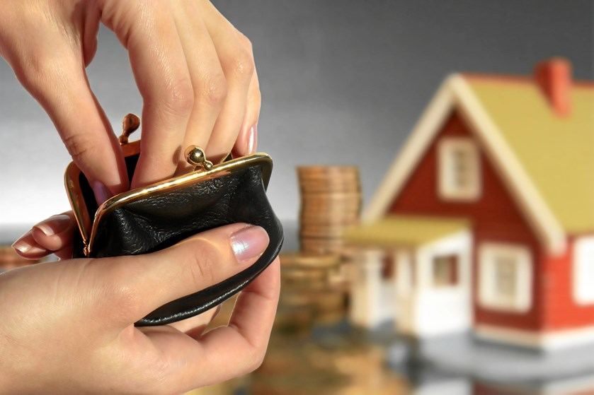 Boligens stand, lignende ejendomme og fælleslån er noget af det, der bør spille ind, når du forhandler prisen.