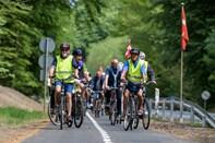 Se billederne: 150 cyklister indviede ny cykelsti