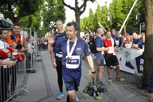 Kronprins Frederik løb mandag aften ti kilometer. Forinden havde han løbet fire kortere ruter.