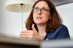 EU's handelskommissær frygter, at EU's udspil til USA i handelsforhandlinger er utilstrækkeligt.