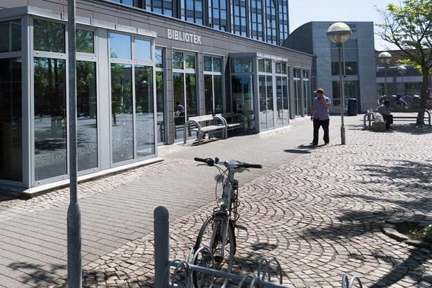 Færre besøger biblioteker - men borgerne vil beholde dem
