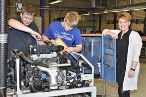 Flere unge skal i gang med en erhvervsfaglig uddannelse