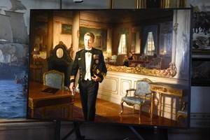 Billedkunstner Ralph Heimans' portræt af kronprins Frederik er torsdag blevet præsenteret for offentligheden.