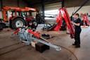 Syv meter arm: Svenske landmænd skal så med traktorkran fra Thy