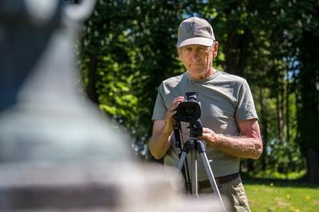 Pensioneret politimand skyder fotos af hemmelige herregårde