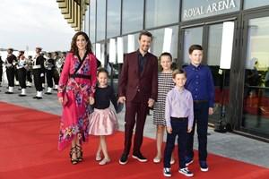Kronprins Frederik er søndag aften blevet fejret med musik og personlige hilsner i Royal Arena.