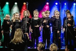 Unge korsangere inviterer til fest