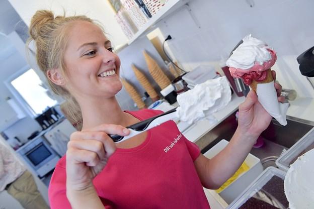 Guf og Kugler er kendt for deres velsmagende is og ikke mindst for deres service og gode humør. Foto: Lars Pauli