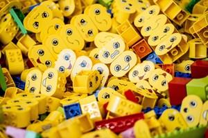 Legos jurister reagerer flere hundrede gange hvert år, når andres varer kommer for tæt på de ikoniske klodser.