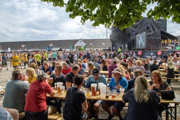 Frederikshavn. 12 timers rock-pop på Knivholt med 5000 tilhørere. Foto: Peter Broen