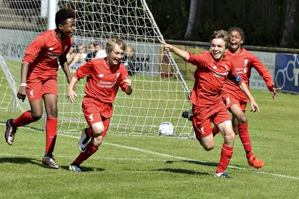 Sommerfest og VM-feber på Frederikshavn Stadion