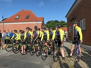 10 unge har sat cykelkursen mod Berlin