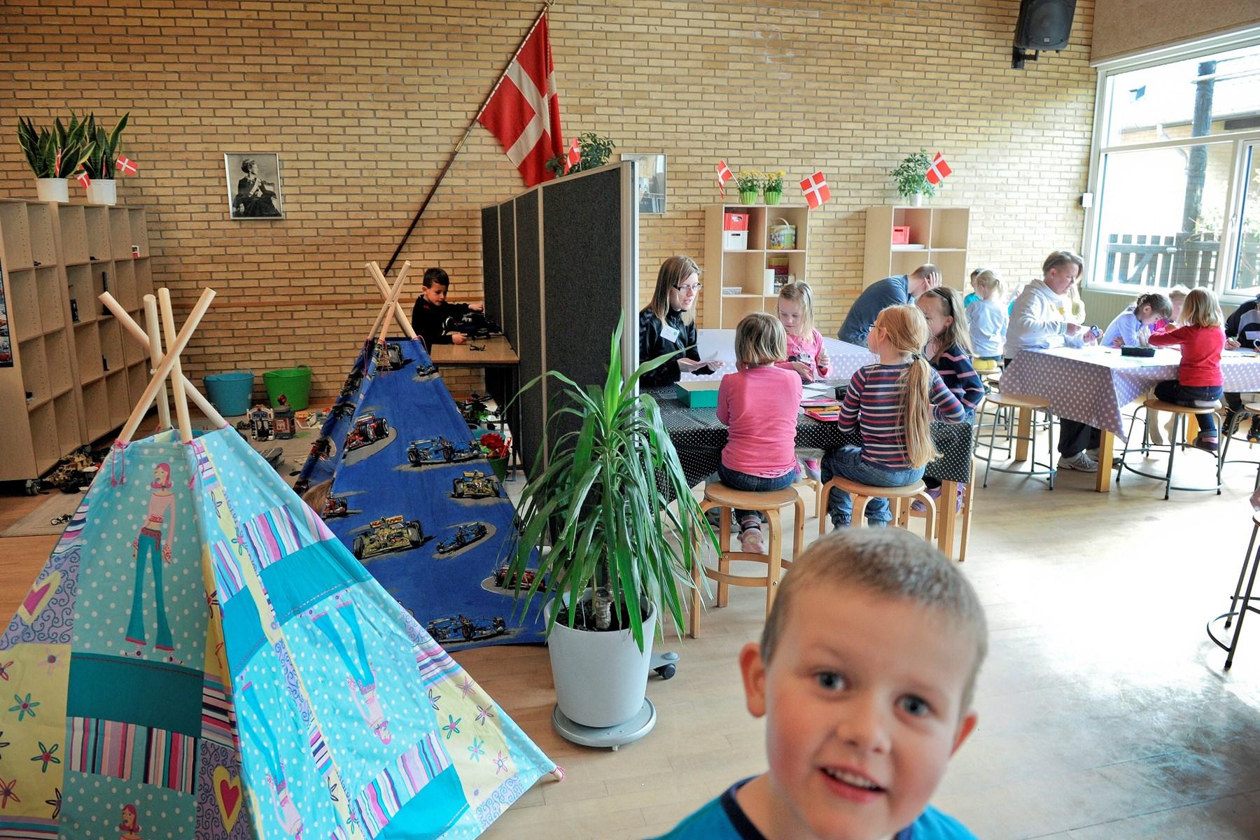Børnene myldrer i Støvring: Politikere overvejer helt ny skole
