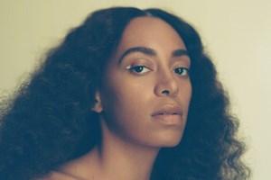 Sangerinden Solange, der er søster til Beyoncé, indtager Plænen i Tivoli den 15. august.
