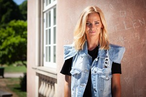 Elina Gollert Kjær føler sig allerede lidt dansk. Nu håber hun, danskerne kan lære hende bedre at kende.