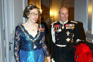 Tirsdag aften døde prinsesse Elisabeth efter længere tids sygdom - 83 år. Hun var dronningens kusine.
