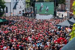 Se fotos: Tusinder på Gammel-torv fulgte dansk VM-drama