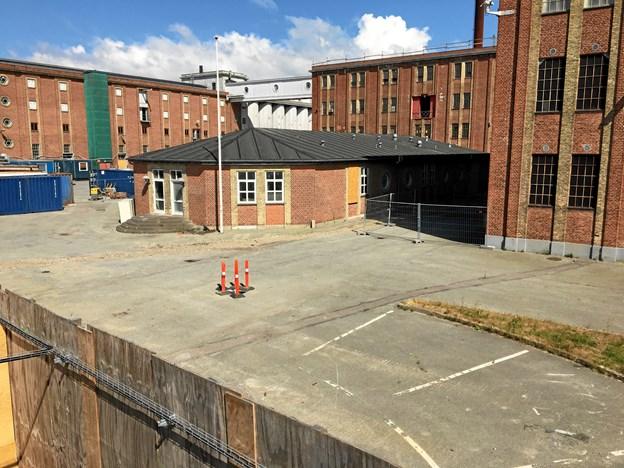 Eventhallen og gårdarealet her kommer til at spille en central rolle ved AaMAZE Festival på BoxTown. Privatfoto