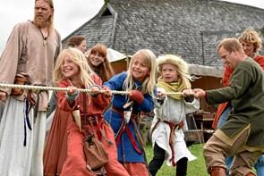 Vikinger indtager Hobro i begyndelsen af juli