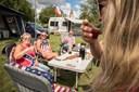 Linedance, saloons og musik: Countryfans samles i Øster Hurup