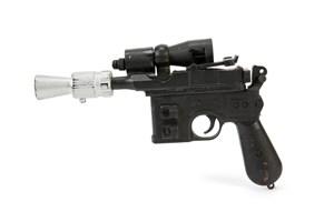 Laserpistolen, som karakteren Han Solo brugte i den sidste af de originale Star Wars-film, er solgt.