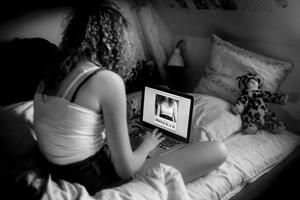 Trods den seksuelle frigørelse bliver piger oftere mødt af fordømmelse end drenge.