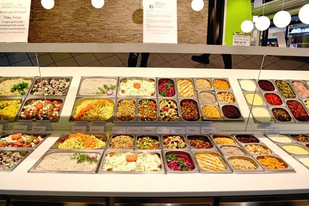I den nye restaurant kan man selv blande sine yndlingsretter ved en stor buffet. PR-foto