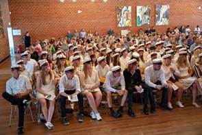 131 studenter og hf'ere