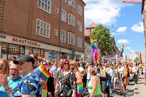 Dans og glimmer: Aalborg Pride i gang