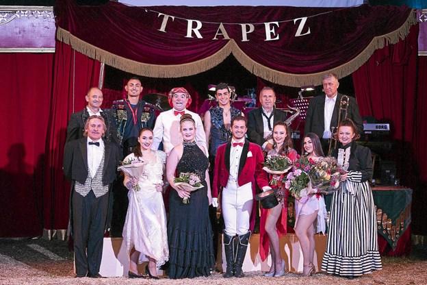 Cirkusfamilien i Cirkus Trapez. De fire steder der spilles i Thy er: 26. juli i Frøstrup, 27., 28. og 29. juli på Hanstholm Camping og 30. juli i Vorupør. Privatfoto