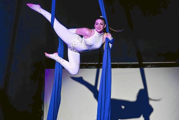 Akrobatik, ponyer, en syngende cirkusprinsesse, en jonglør, luftakrobatik, en elefant, æsler, friserheste, geder, køer og meget mere i årets forestilling. Privatfoto