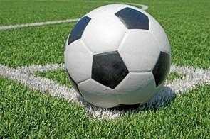 Raske fodboldpiger mødes i himmerlandsk teenagecamp
