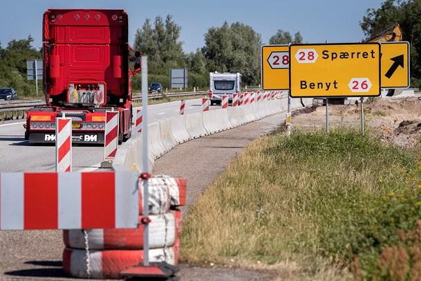 Motorvejsbro skal væk på 24 timer