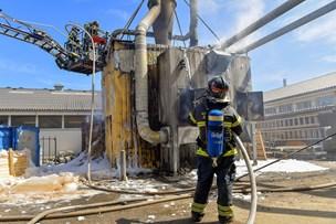 Brandfolk måtte arbejde flere timer: Silo gik op i flammer