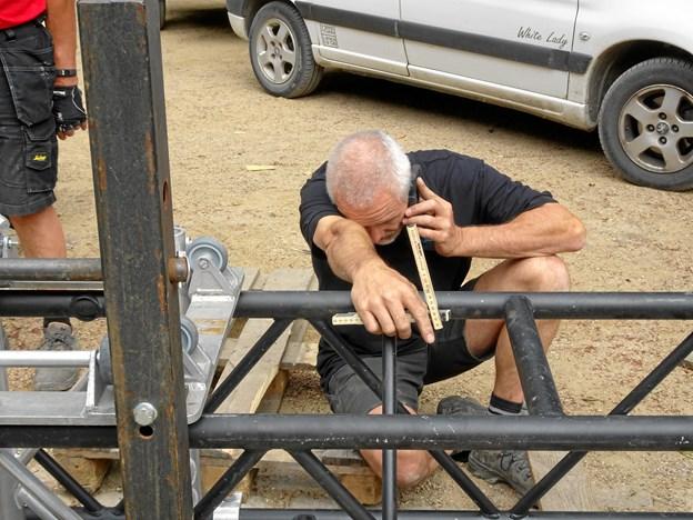 Arbejdet kræver præcision og råstyrke.