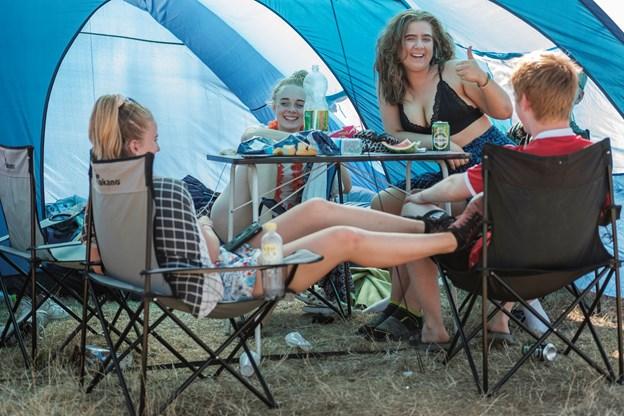 Der blev hygget på campen.