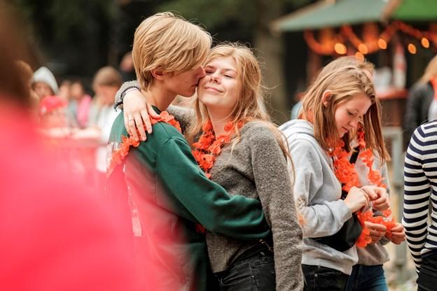 Stemningen til årets festival var god, og der blev danset, sunget og krammet blandt gæsterne.
