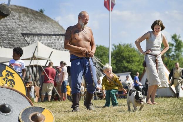 Vikinger i alle afskygninger - også nogle med hund - var at finde på weekendens marked.