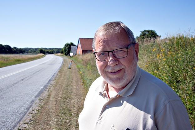 Bjarne Krogh-Pedersen har - sammen med borgerne i Haldbjerg - i årevis forsøgt at få etableret en cykelsti på Understedvej. Foto: Kurt Bering