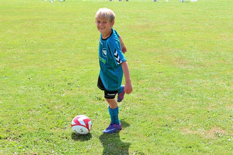 VBI på banen med fodboldskole