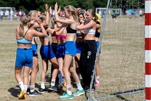 Håndboldfest i Dronninglund: Se billederne fra cuppen
