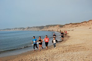 Sommerløb langs stranden