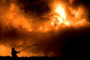 Frivillige bedes om hjælp til at slukke 80 skovbrande